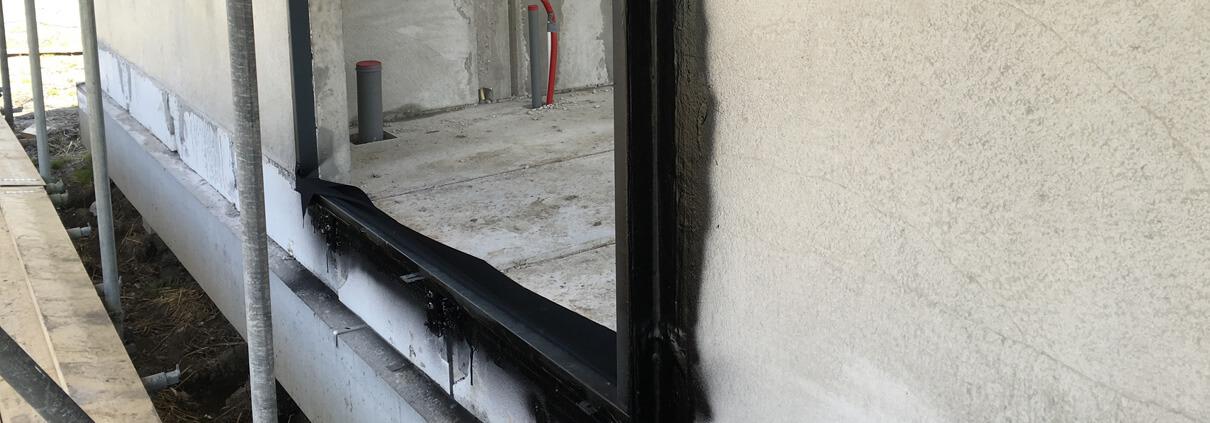 Airtight window frame