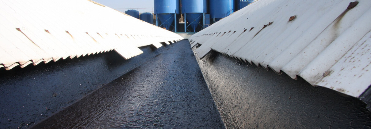Liquid sealant gutters