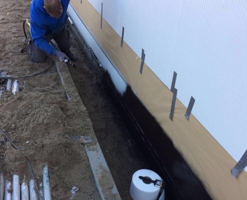 Waterproofing a seam