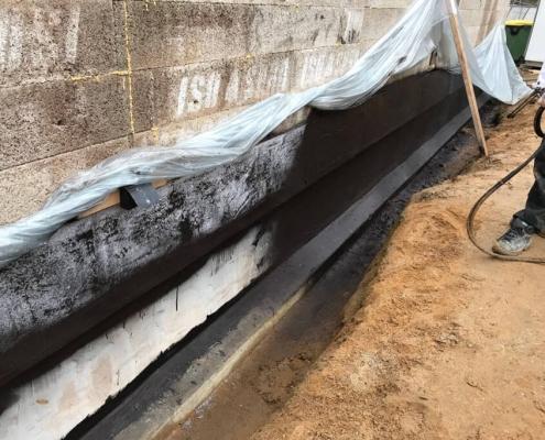 Seamless basement coating